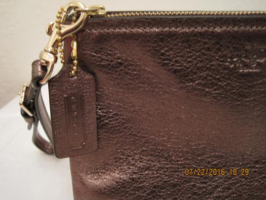 Coach Pouch Clutch Cosmetic Make Up Wristlet in Metallic Gold Image 4
