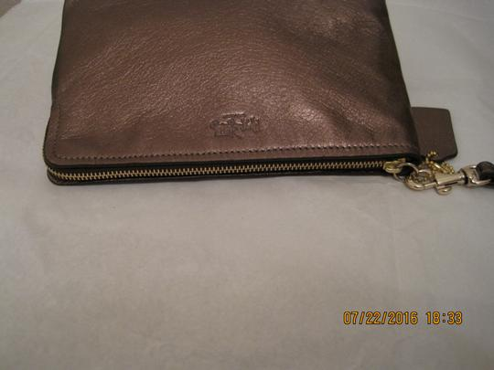 Coach Pouch Clutch Cosmetic Make Up Wristlet in Metallic Gold Image 6