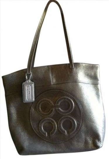 Preload https://item1.tradesy.com/images/coach-shimmer-metallic-leather-tote-179325-0-0.jpg?width=440&height=440