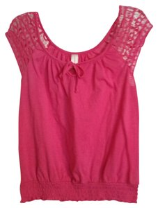 No Boundaries Casual Lace Trim Misses Top pink