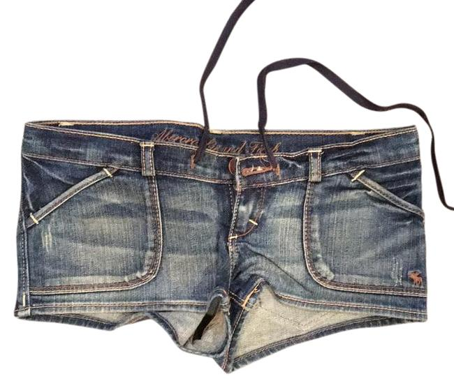 Preload https://img-static.tradesy.com/item/17933659/abercrombie-and-fitch-shorts-size-00-xxs-24-0-1-650-650.jpg