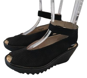 07a9104c2f5 FLY London Wedges - Up to 90% off at Tradesy