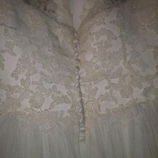 Pronovias Ivory Lace and Tulle Traditional Wedding Dress Size 10 (M) Image 11