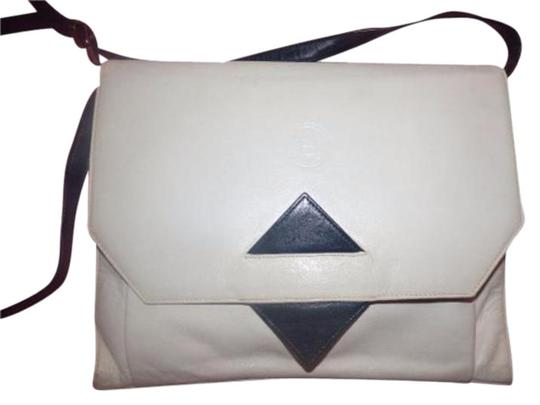 Preload https://img-static.tradesy.com/item/17937361/fendi-vintage-pursedesigner-purses-white-leather-with-black-leather-accents-cross-body-bag-0-2-540-540.jpg