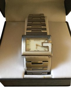 Gucci SALE! Gucci Argent Vintage Silver Pearl Face Watch