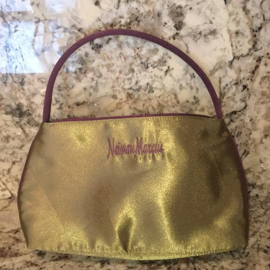 Neiman Marcus Tote in Olive Green Image 10