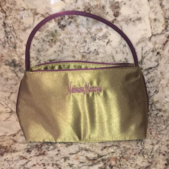 Neiman Marcus Tote in Olive Green Image 2