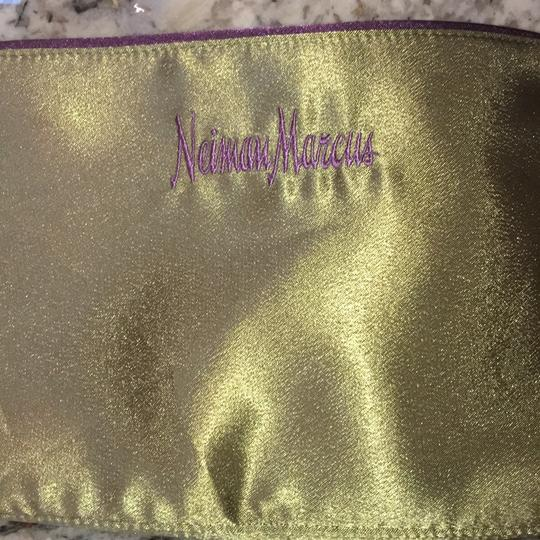 Neiman Marcus Tote in Olive Green Image 9