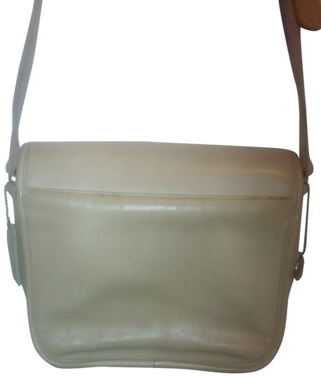 Preload https://item4.tradesy.com/images/coach-leather-vintage-leather-cross-body-bag-beige-1793923-0-1.jpg?width=440&height=440