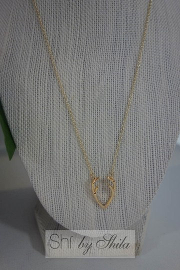 Shiekh Delicate Horn Necklace Image 3