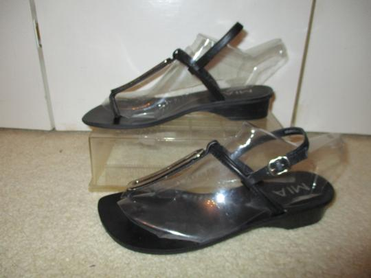 MIA Leather Thong black & silver Sandals Image 3