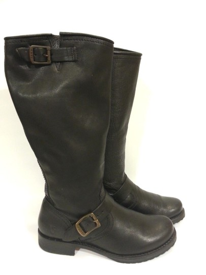Frye Style #77605 Grain Leather Black Boots Image 3
