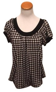 KL Signature Top Black and White