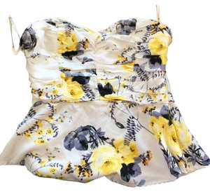 Forever 21 Sleeveless Summer White Top Floral