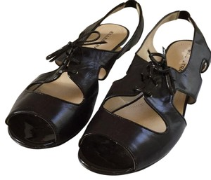 Ellen Tracy Brown Sandals