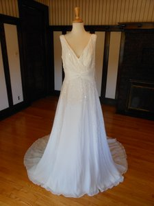 Pronovias Ibernia Wedding Dress