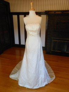 Justin Alexander Cream Satin Sample Destination Wedding Dress Size 6 (S)