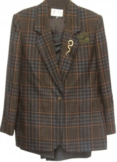 Preload https://item3.tradesy.com/images/le-suit-navy-gold-plaid-like-effect-polyrayon-skirt-suit-size-12-l-179427-0-0.jpg?width=400&height=650