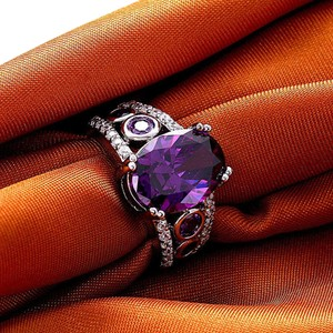 Amethyst purple stone fashion ring
