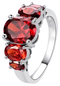 Red garnet gemstone fashion ring