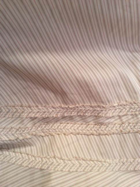 Vince Size Four Size 4 Spring Gently Worn Striped Skirt Cream, beige
