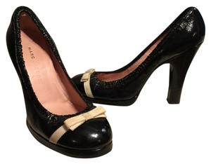 Marc Jacobs Black/Ivory Pumps
