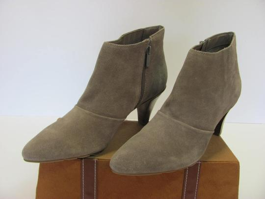 Kenneth Cole Reaction Size 10.00 M Suede Leather Very Good Condition Grayish/Cream Boots Image 3