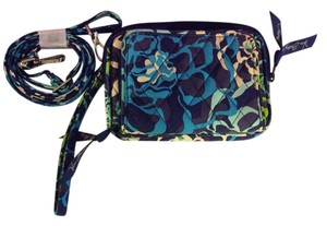 Vera Bradley Designer Designer Cross Body Designer Wallet Designer Wristlet in Blue, green, white