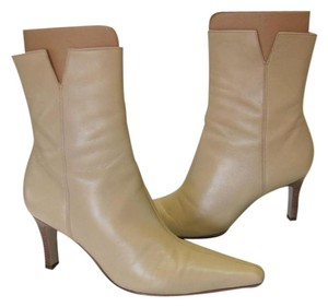 Gianni Bini Size 8.00 M Leather Very Good Condition Neutral Boots