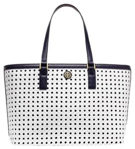 Tory Burch Tote in White/navy