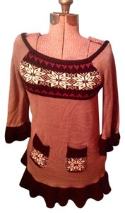 Belle du Jour Tunic Snowflakes Acrylic Pockets Sweater
