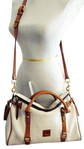 Dooney & Bourke Satchel in White/Natural