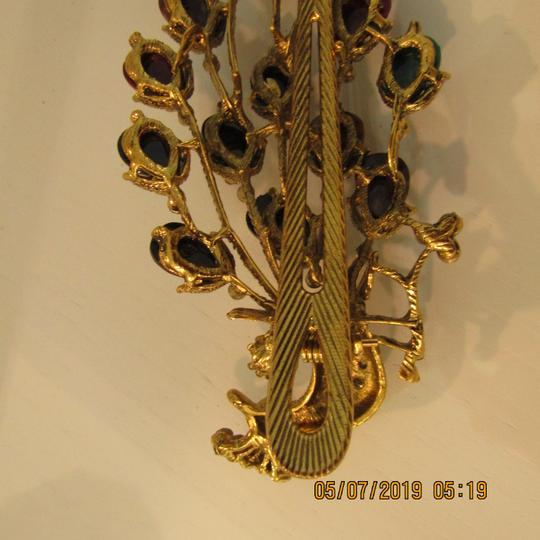 Other Unique 1920's Inspired Peacock Statement Hair Clip Image 10