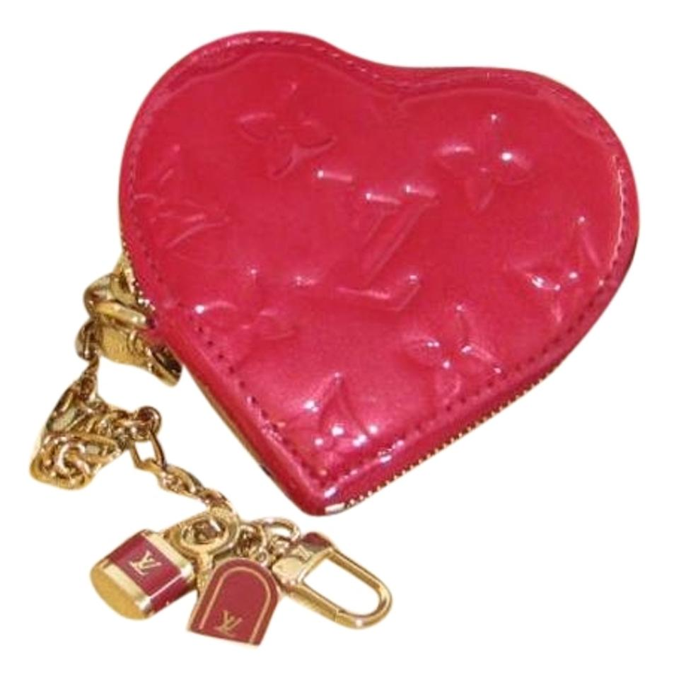e9fb9802d Louis Vuitton New Vernis Pomme D'amour Heart Coin Purse and Key Chain Image  0 ...