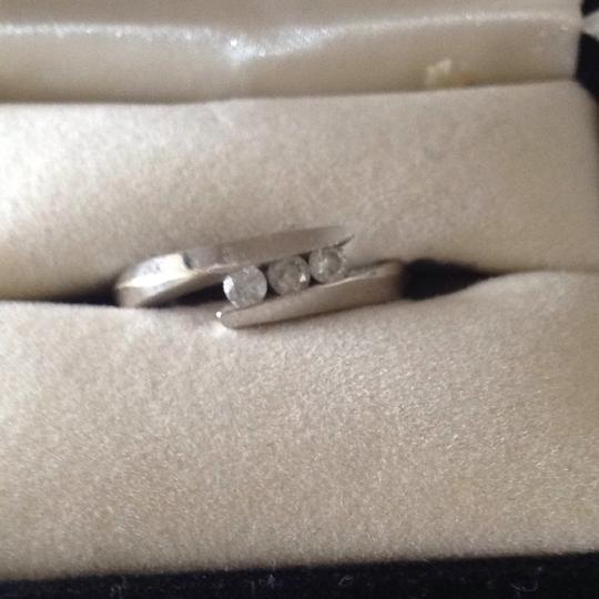 Zales 3 round diamonds Promise Ring in 10K White Gold Image 3