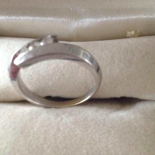 Zales 3 round diamonds Promise Ring in 10K White Gold Image 4