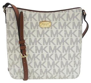 Michael Kors Large Travel Mk Messenger Crossbody Signature Pvc Vanilla Messenger Bag