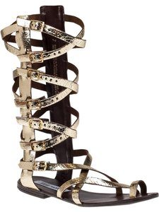 Steve Madden Gold-toned Gladiator Crinkled Leather Interweaving Straps Buckle Fastenings Gold Metallic Sandals