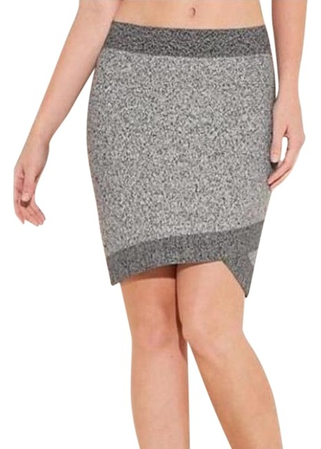Preload https://img-static.tradesy.com/item/17962774/guess-grey-abby-skirt-size-0-xs-25-0-1-650-650.jpg