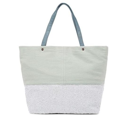 deux lux Tote in White/white wash blue Image 4