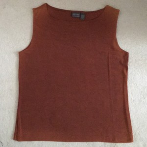 Chico's Top Rust color