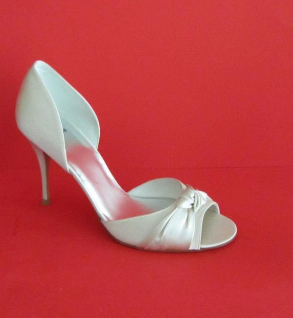 Item - White Knotted D'orsay Satin Pump Sandals Size US 11 Regular (M, B)