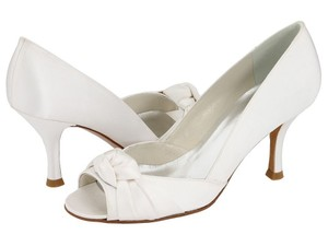 Stuart Weitzman Turalu White Satin Pumps Wedding Shoes