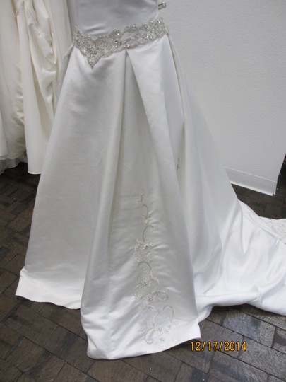 Ivory 5063 - - (146l) Formal Wedding Dress Size 14 (L) Image 1
