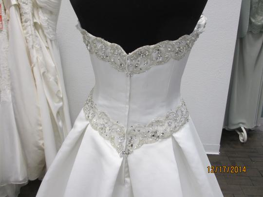 Ivory 5063 - - (146l) Formal Wedding Dress Size 14 (L) Image 2