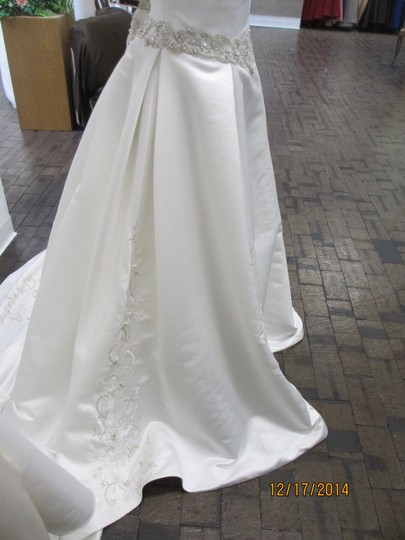 Ivory 5063 - - (146l) Formal Wedding Dress Size 14 (L) Image 3