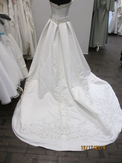 Ivory 5063 - - (146l) Formal Wedding Dress Size 14 (L) Image 4