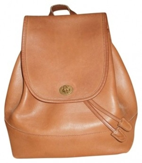 Preload https://item3.tradesy.com/images/coach-brown-leather-backpack-179677-0-0.jpg?width=440&height=440