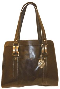 Perlina Refurbished Leather Multi Pocket Tote in Black