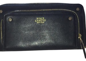 Vince Camuto Wristlet in Black
